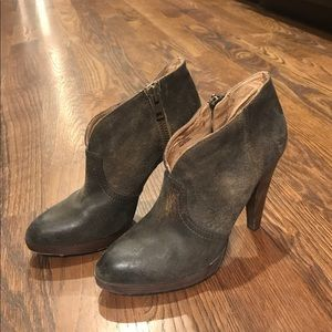 Frye Harlow Campus bootie size 8